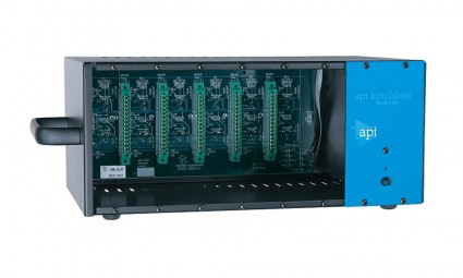 API 500-6B 6 Slot Lunchbox with built in power supply